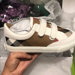 Girls Burberry sneakers - new with tags